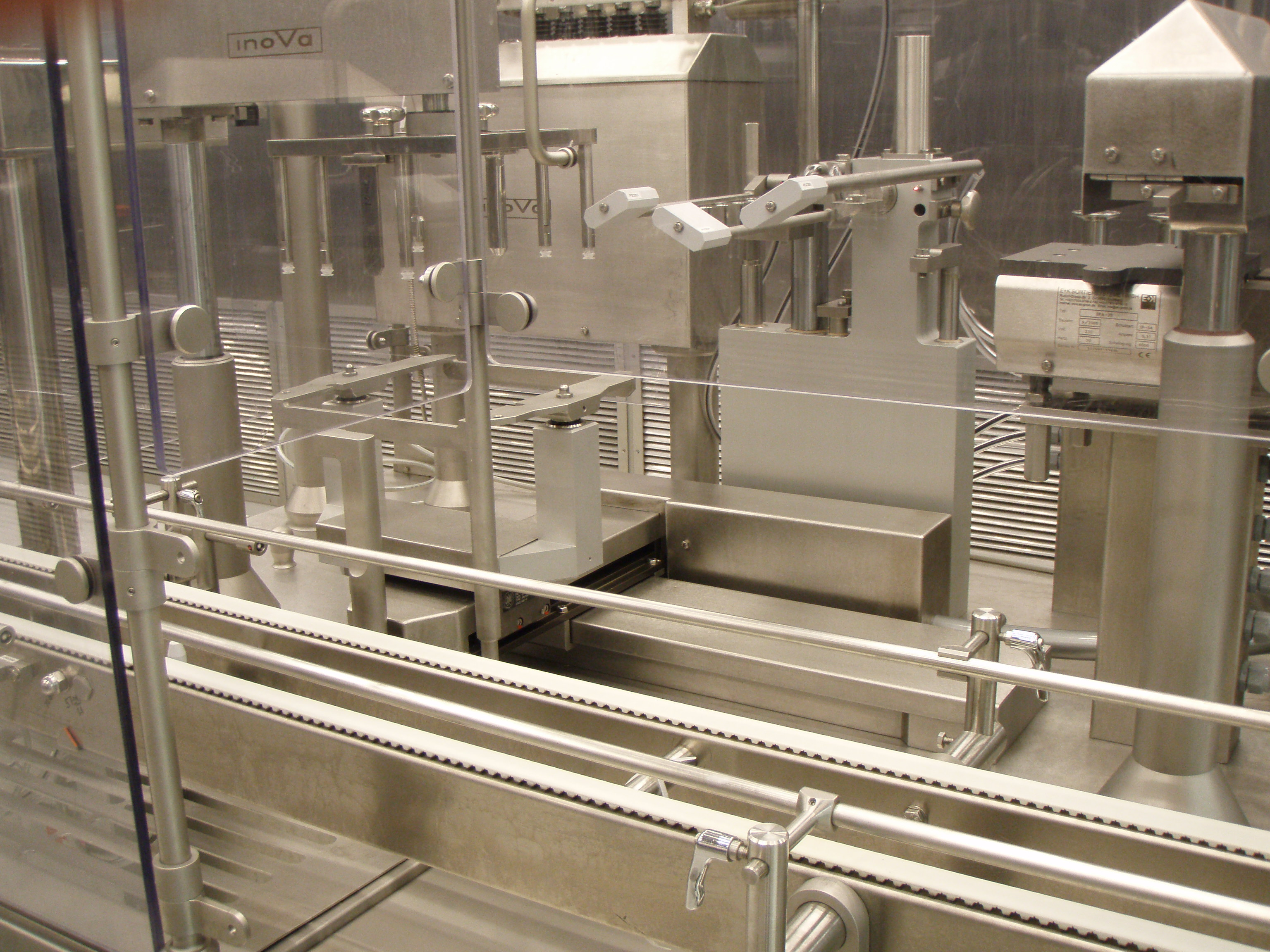 OPTIMA Complete line made of Filling machine OPTIMA SV125  + Labelling machine OPTIMA EK321 + Blister machine MEDISEAL CP3